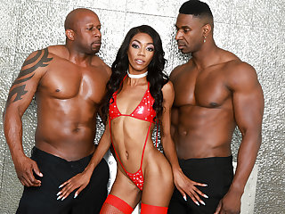 Stunning Ebony, Chanel Skye, gets fucked by two BBC!